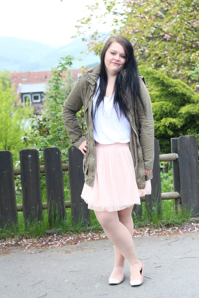 (Outfit) Rose meets Khaki