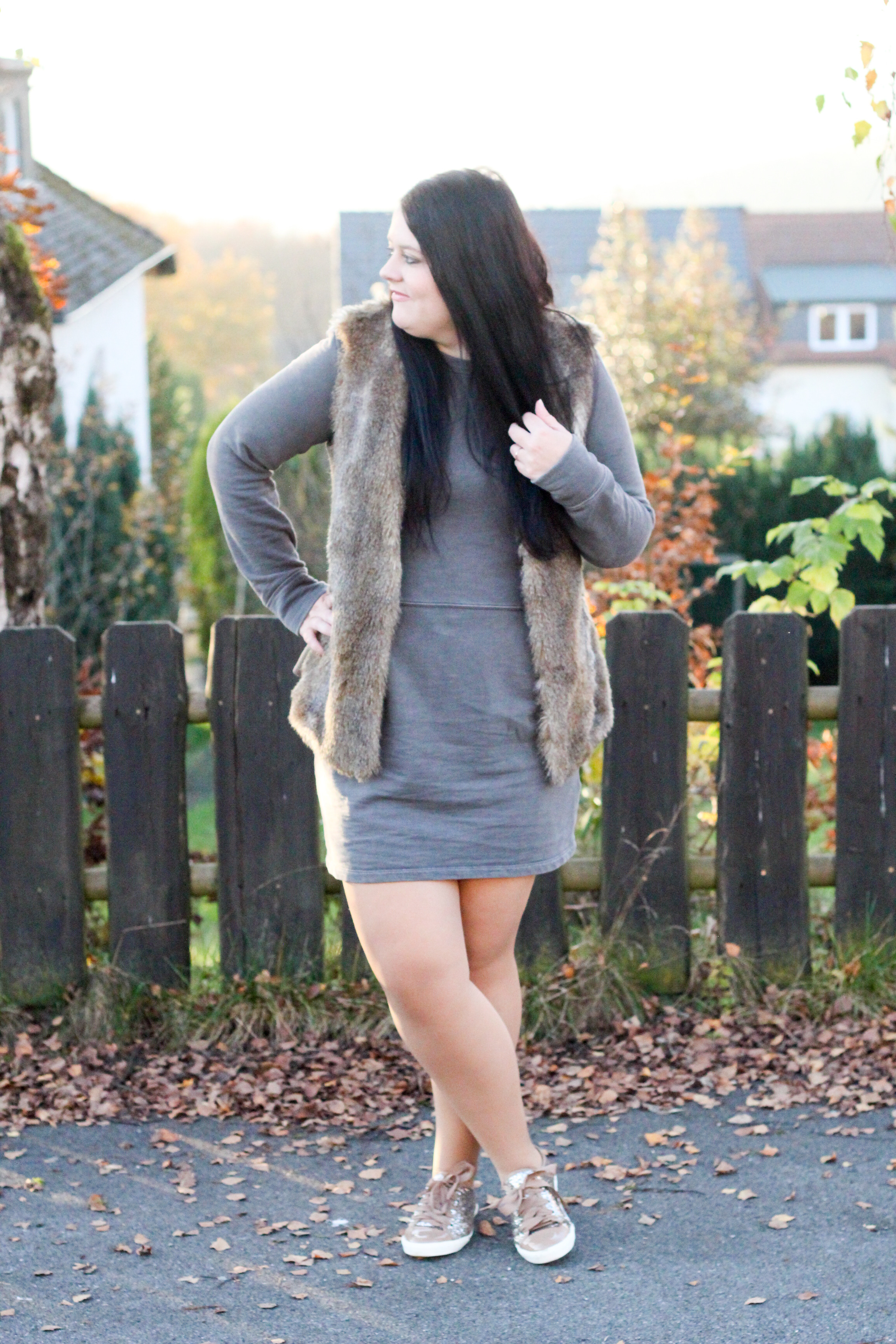 (Outfit) Sweat Dress & Fake Fur