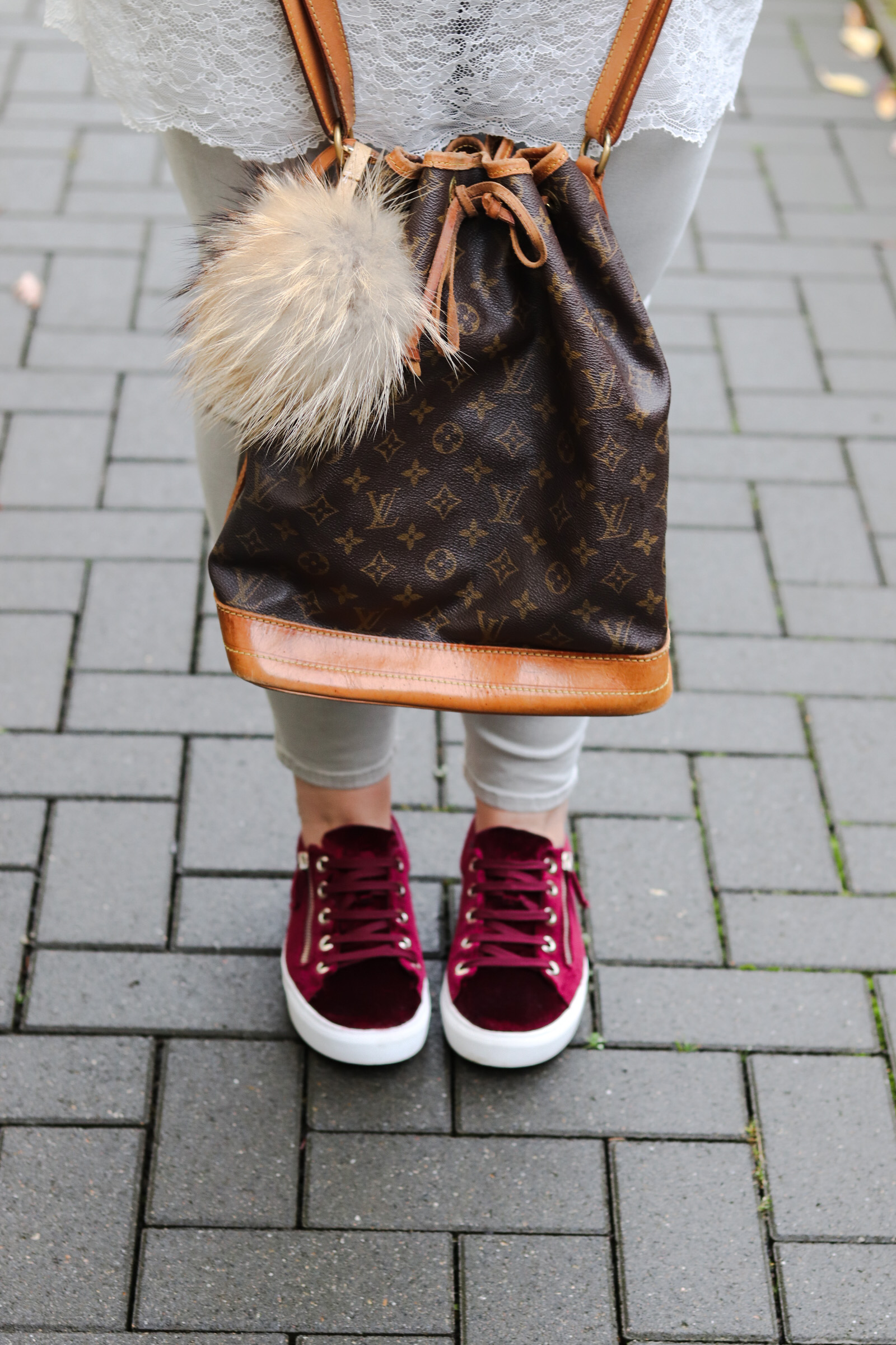 (Outfit) Samt Sneaker