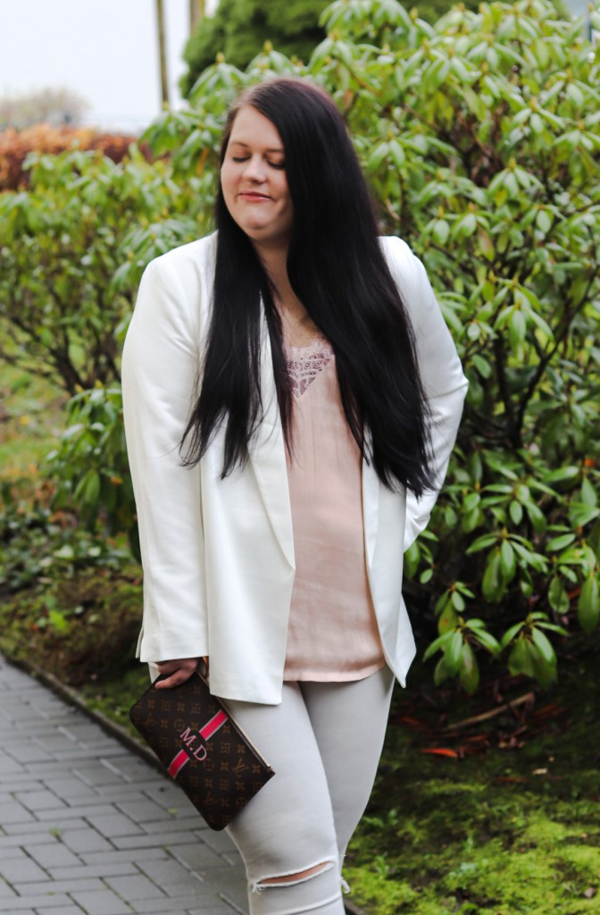 (Outfit) Weihnachtsoutfitidee mit Jeans & Sneakers