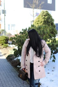 (Outfit)Eisrosa Trenchcoat
