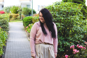 (Outfit) Mango Midi Rock in Rose und Beige