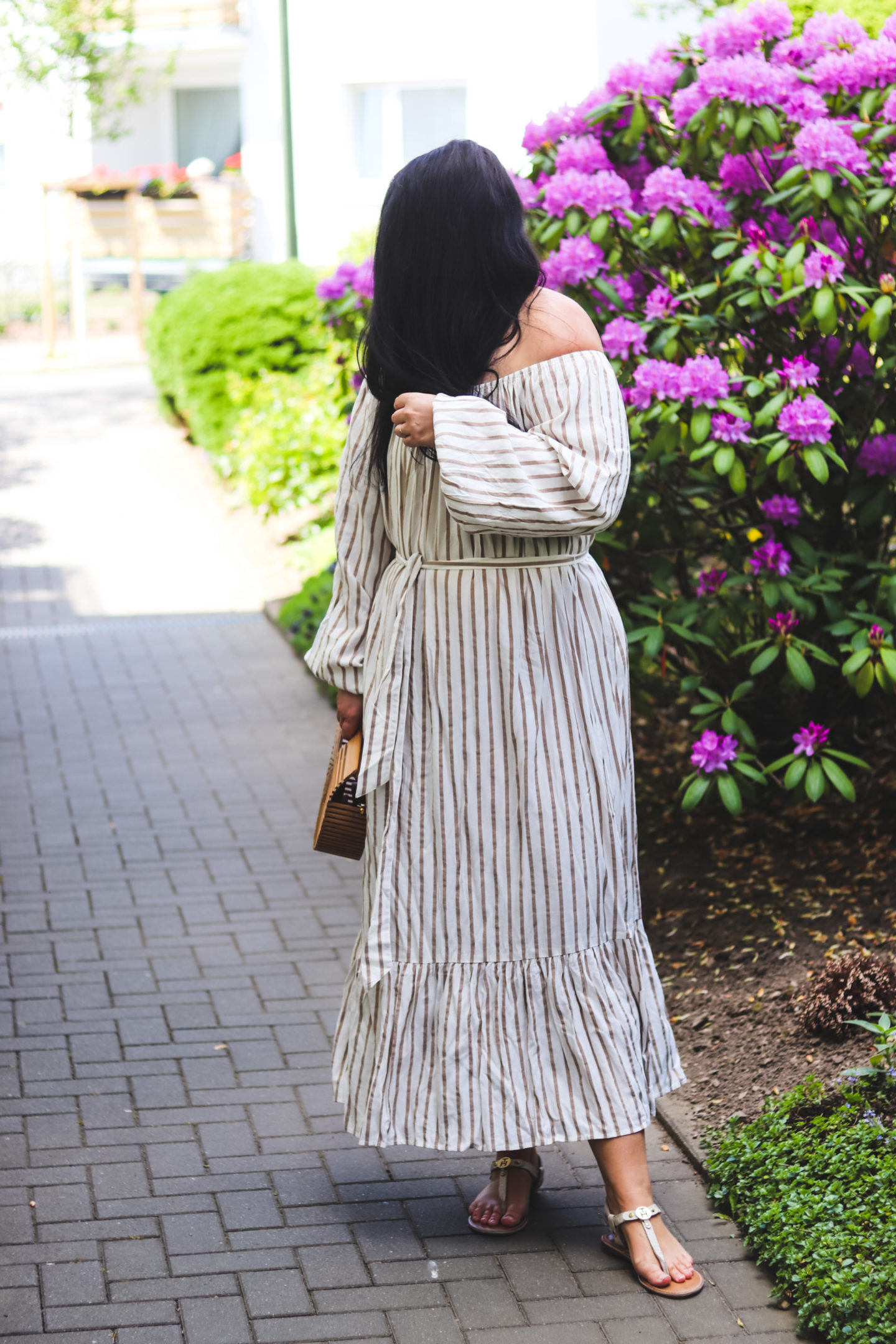 (Outfit) Off-Shoulder Maxikleid